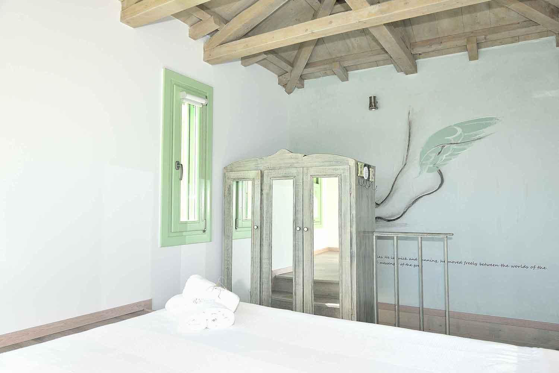private pool villa rentals, elegant decorated bedroom