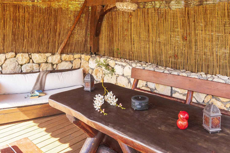 private pool villa in Lefkada, details